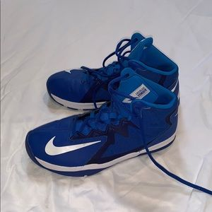 Nike Boys' Air Max Stutter Step 2 Basketball Shoes